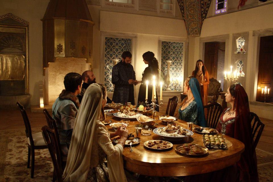 Сериал Великолепный век 3 сезон - примирение Хатидже и Ибрагима