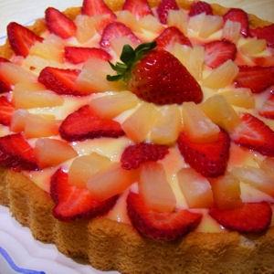 Ананасово-клубничный торт
