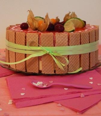 Баварский торт с белым шоколадом и вишней