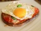 Бутерброды с ветчиной, томатами и яйцом