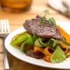 Соте из говядины с овощами и имбирем