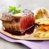 Филе говядины с луком в винном соусе