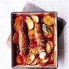 Свиное филе с можжевельником, картофелем и копченой колбасой