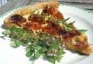 Тарт с козьим сыром и вялеными помидорами черри
