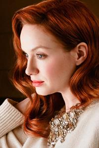какой цвет волос подходит к голубым глазам Christina Hendricks