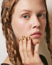 ключевые beauty тренды будущей весны Недели моды Париж
