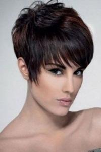 Классическая стрижка женская на короткие волосы