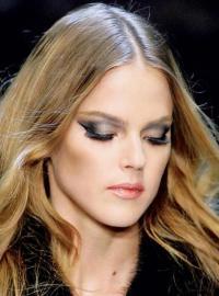 Дымчатый макияж глаз: самый сексуальный тренд