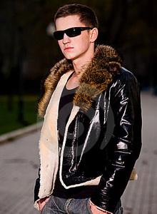 модная кожа кожаная куртка