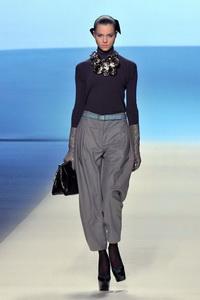 минимализм в одежде Louis Vuitton