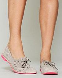 Обувь на плоской подошве снова в моде
