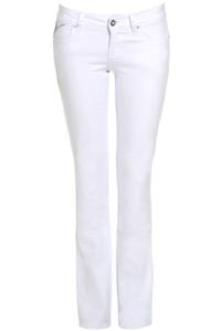 Как носить джинсы: 10 заповедей безупречного стиля