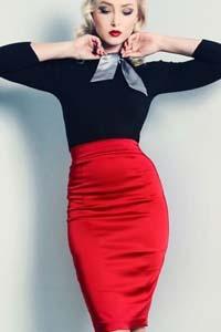 falda roja, moda en calle, moda y estilo, ropa de mujer,