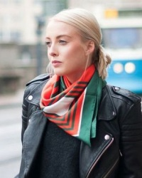 шейный платок девушкам