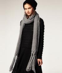 Вязаные шарфы: модная деталь осеннего гардероба