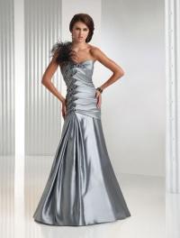 Модные платья на выпускной: на волне актуальных тенденций (125 фото)