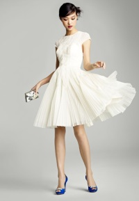 Спереди короткие свадебные платья сколько