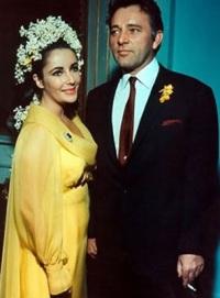 нетрадиционное свадебное платье Элизабет Тейлор