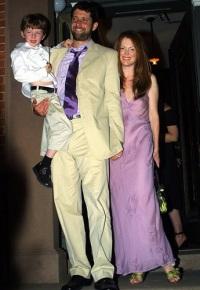нетрадиционное свадебное платье Джулиана Мур
