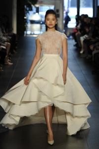 нетрадиционное свадебное платье Rivini