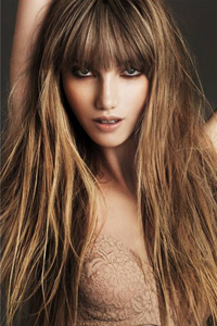 Карамельный цвет волос с мелированием