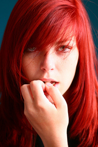 Огненно красный цвет волос