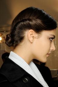 вечерние прически для длинных волос Valentino