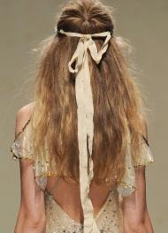 модные прически для длинных волос Blugirl