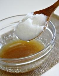 Маска для волос из яйца и меда: сладкая забота