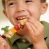 Кормление ребенка: вырастить малыша здоровым
