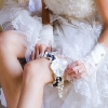 Подвязка невесты – пикантный аксессуар
