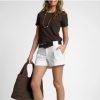 Стильные шорты: основа летнего гардероба