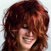 Стрижка каскад на средние волосы - молодит и привлекает внимание