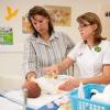 Уход за новорожденным в роддоме: первые дни жизни