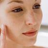 Как пользоваться сывороткой для лица и омолодить свою кожу?