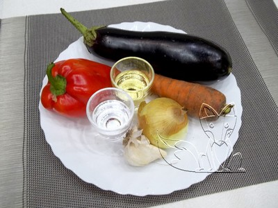 ингредиенты для соленых баклажанов с морковью