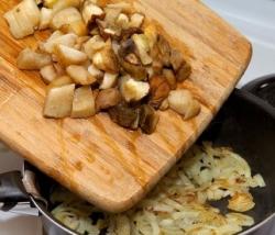 Ответы Mail Ru: Можно ли жарить сразу сырые грибы