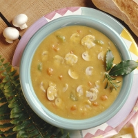 Гороховый суп с грибами - хорош и в пост и в праздник